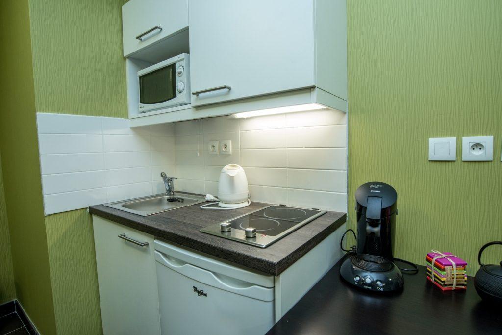 cuisine-salle-commune